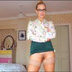 Ariel Anderssen – Upskirt Aunt Quickie