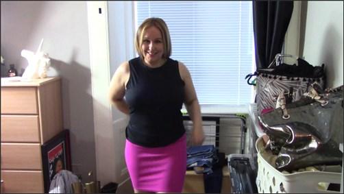 AshleyRider - Mummys Asking Sons Advice on Outfits