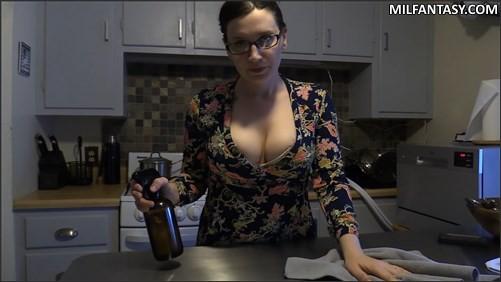 Bettie Bondage - A Hard Lesson With Mom