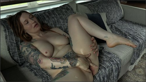 Bettie Bondage - MILFs Pussy Bukkake