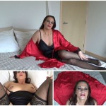 Diane Andrews – Satin covered treat