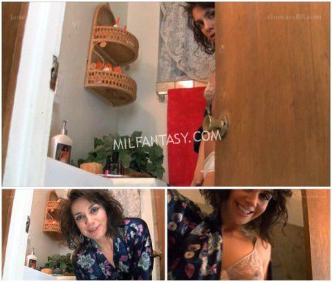 Janey Jones - Handjob from mommy - milfantasy.com