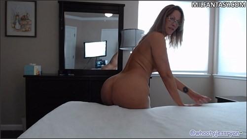 JessRyan - Moms Hot Ass