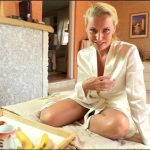 Kathia Nobili – Mommy's breakfast in bed