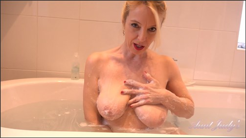 Lucy Gresty - Auntie Lucinda Bathtub Jerk Off Instruction