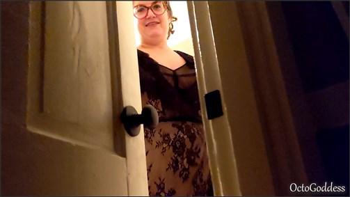 OctoGoddess - First Time Mommy Handjob Cumshot