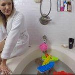 Reagan Lush – Your Mom Reagan Gives You A Bathtub HJ