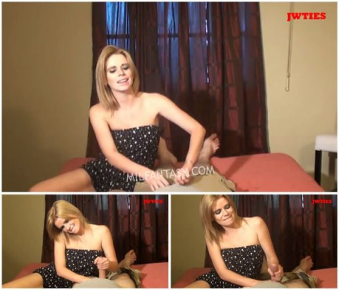 Vanessa Vixon - Sniffing Mommies Panties